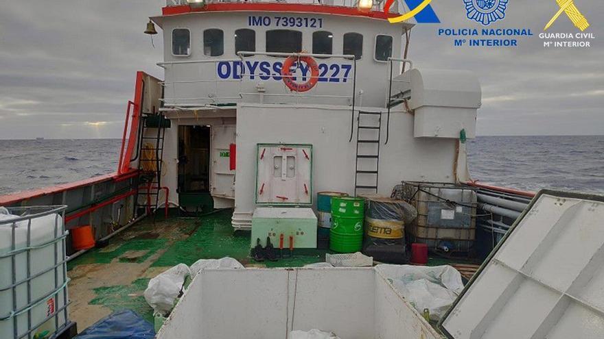 El 'Odissey' transportaba el mayor alijo de hachís interceptado en Canarias: 22.115 kilos
