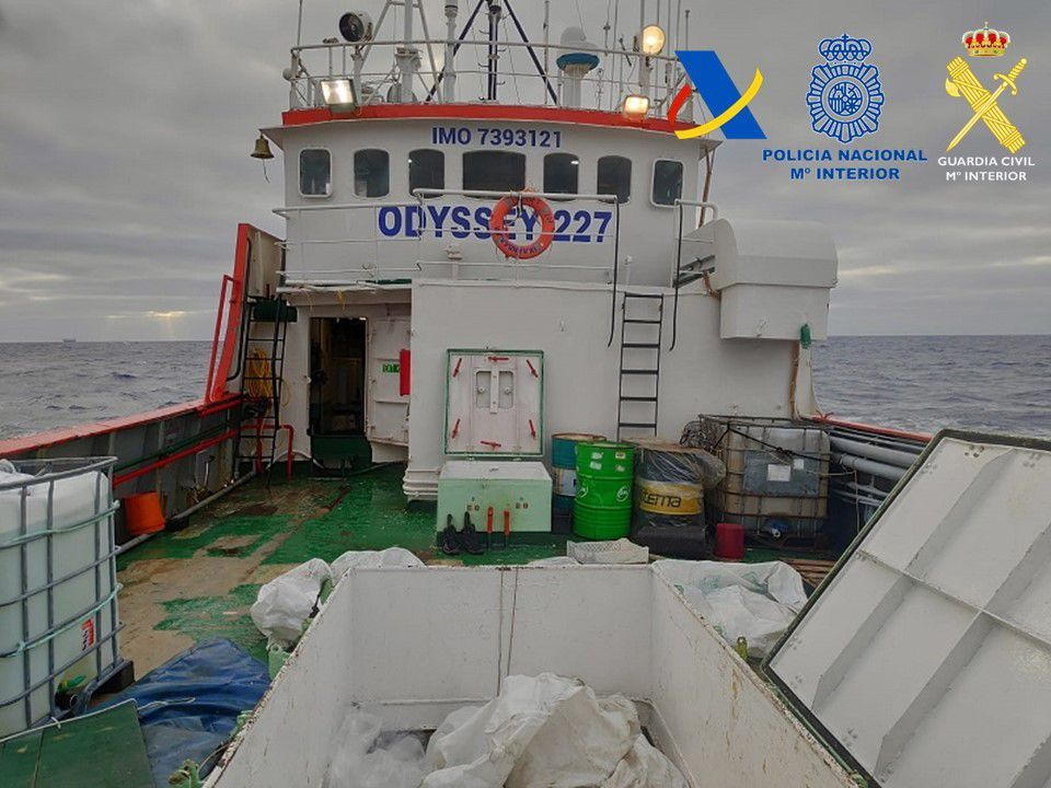 Incautan 15 toneladas de hachís en un barco próximo a Fuerteventura