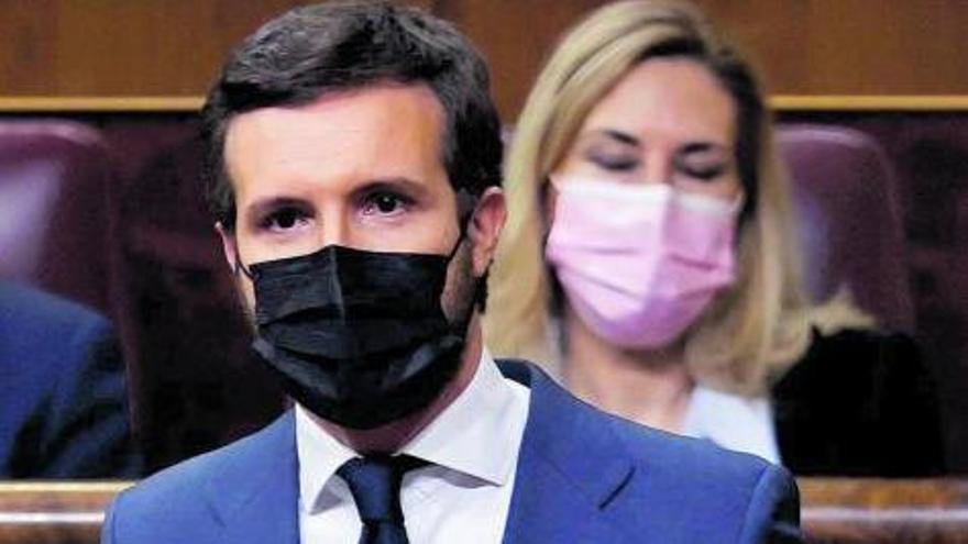 Golpe múltiple al líder del PP Pablo Casado  por varios frentes