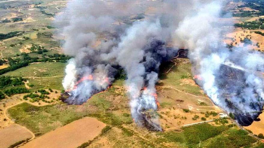 La Xunta da por extinguido el fuego de Vilariño de Conso tras quemar 120 hectáreas