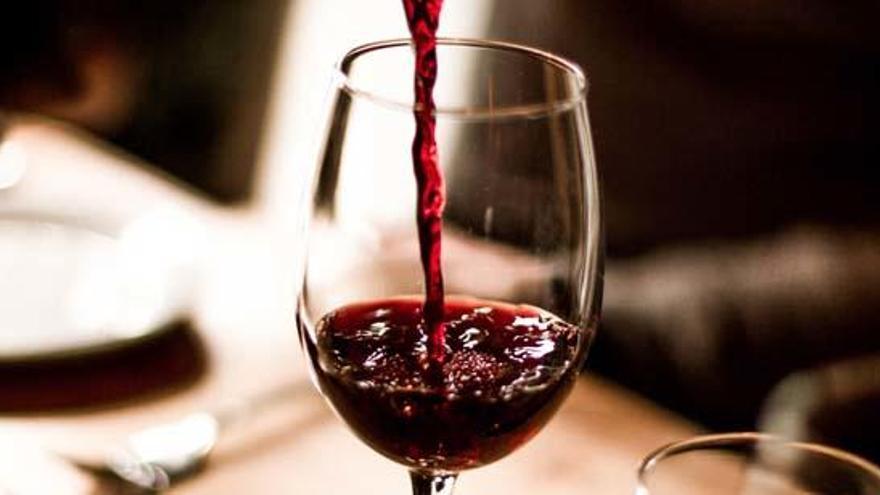Vendían botellas de vino de 19 euros por 1900 euros