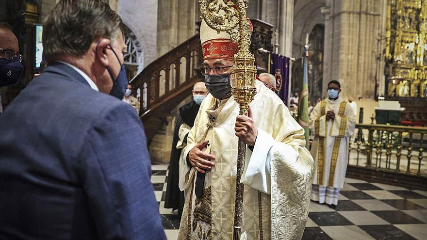 La diócesis y el equipo de gobierno vuelven a comulgar juntos en un Corpus sin fresas