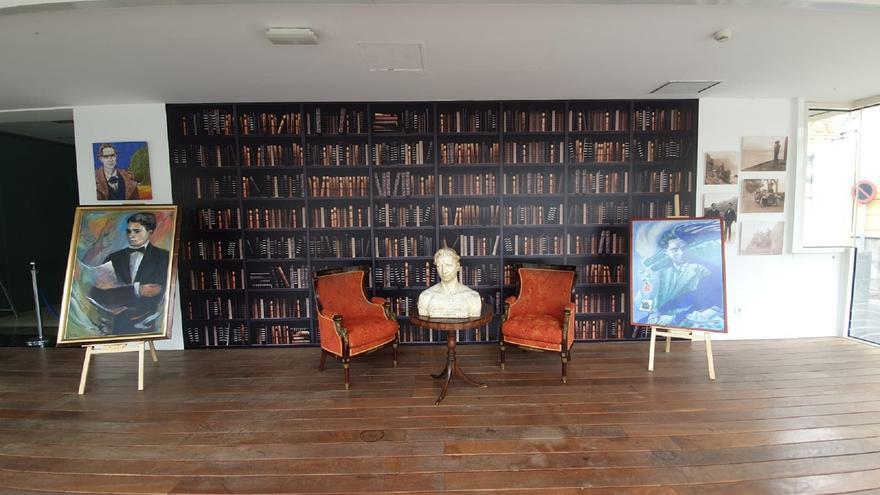 Inauguración de una exposición que repasa la biografía de Tomás Morales,  incluida su faceta como político