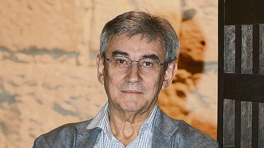"""Francisco R. Pastoriza: """"Vigo foi un tema permanente no xornalismo de Johán Carballeira"""""""