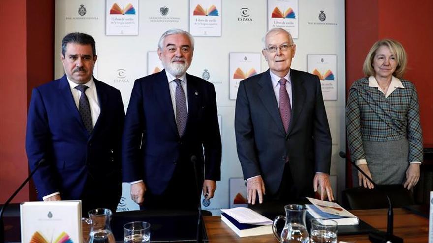 La Real Academia Española insiste: ni 'todos y todas', ni 'tod@s', ni 'todes'