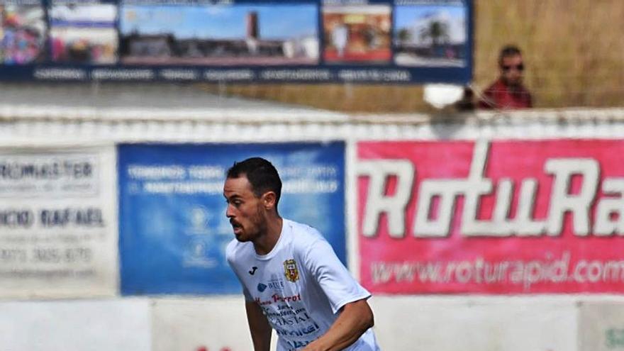 Mikel Bueno: «Que tres goles no valgan para ganar es, la verdad, algo muy frustrante»