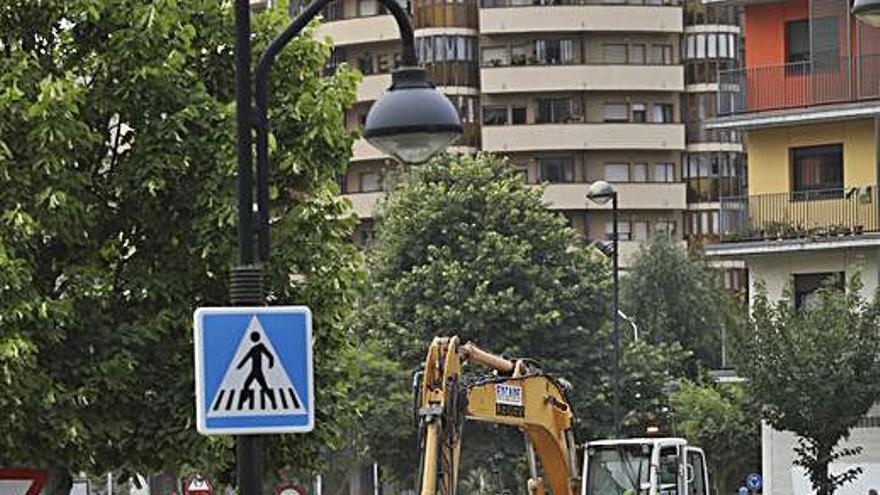 El plan de asfaltado avanza por La Vegona, Luis Treillard y Piñole