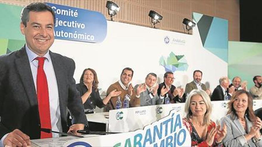 Pablo Casado abre la puerta a ceder consejerías de la Junta a Vox