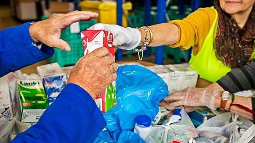 La obra social La Caixa y el Banco de Alimentos impulsan la gran recogida de leche