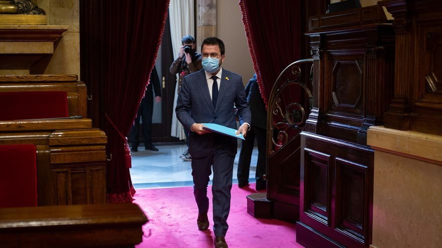 """Aragonès defiende a los Mossos ante los """"actos vandálicos"""" y se abre a debatir cambios cuando haya Govern"""