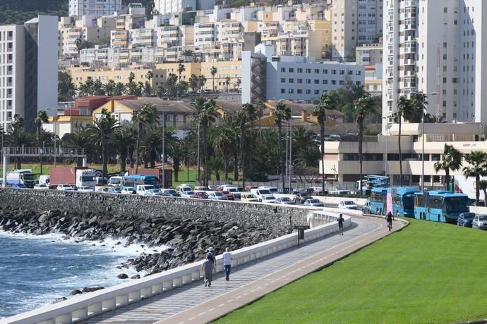 Colas en Las Palmas y Telde por vuelco en Arinaga  | 03/02/2020 | Fotógrafo: Tony Hernández