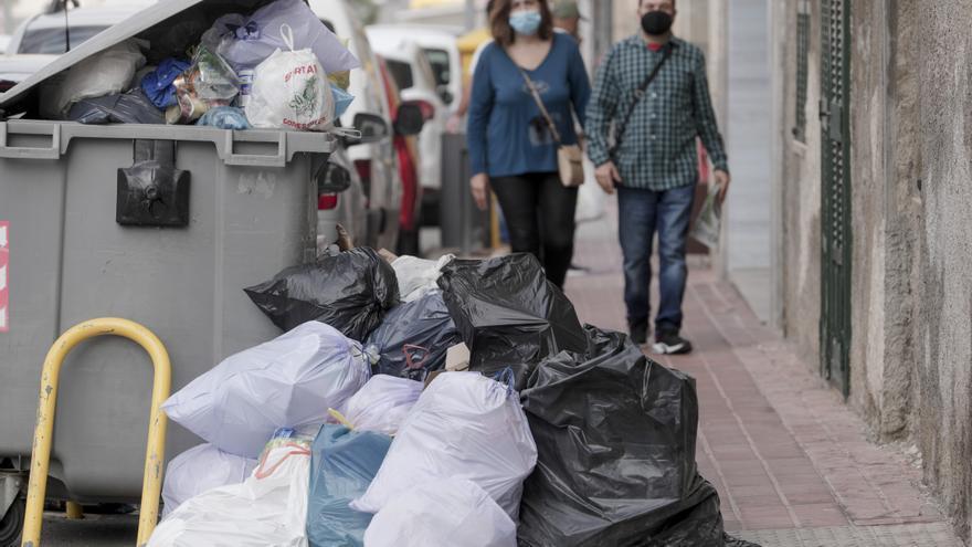 El Govern impulsa un convenio autonómico de recogida de basuras para evitar más huelgas