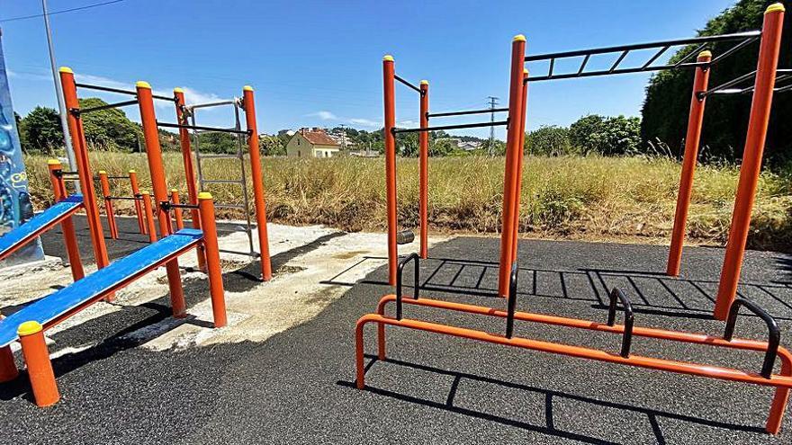 El Concello de Cambre avanza en las obras de la pista de calistenia cerca del 'skatepark', que se reacondicionará