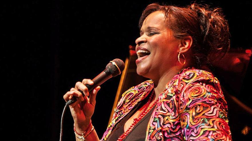 """Deborah J. Carter: """"Lo mío es la consistencia, tengo mi estilo que es mi sello"""""""