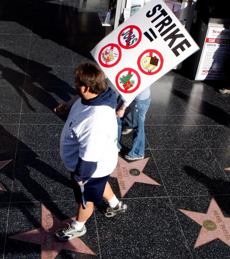 Un acuerdo entre los técnicos y los estudios evita la huelga en Hollywood