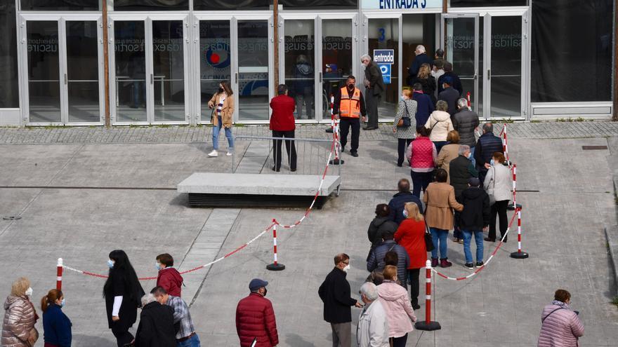 El Sergas cita en A Coruña a más de 6.000 personas para vacunarse mañana