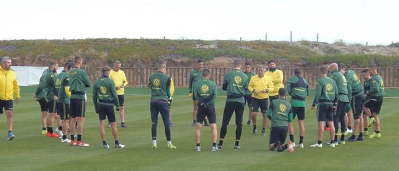 Fotos del entrenamiento de la UD Las Palmas en El Saler (24/01/2019)
