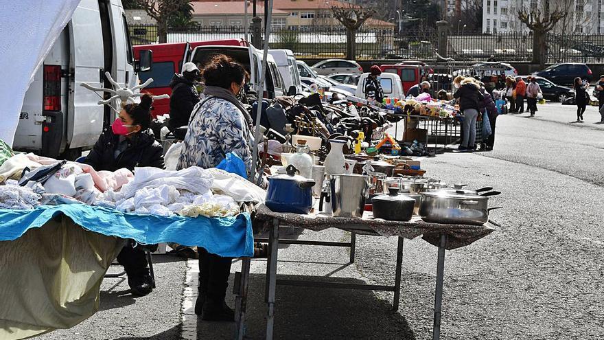 """Los ambulantes de A Sardiñeira: """"Cada día estamos peor, no se vende nada"""""""
