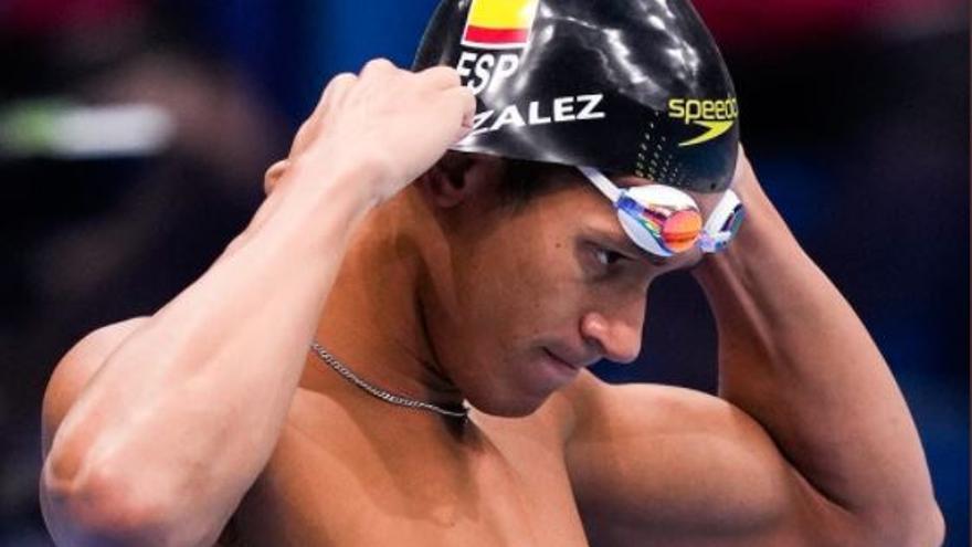 Hugo González avanza a las semifinales de los 200 estilos con un gran margen de mejora