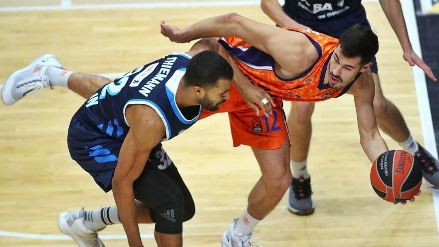 La defensa evita la remontada del Valencia BC