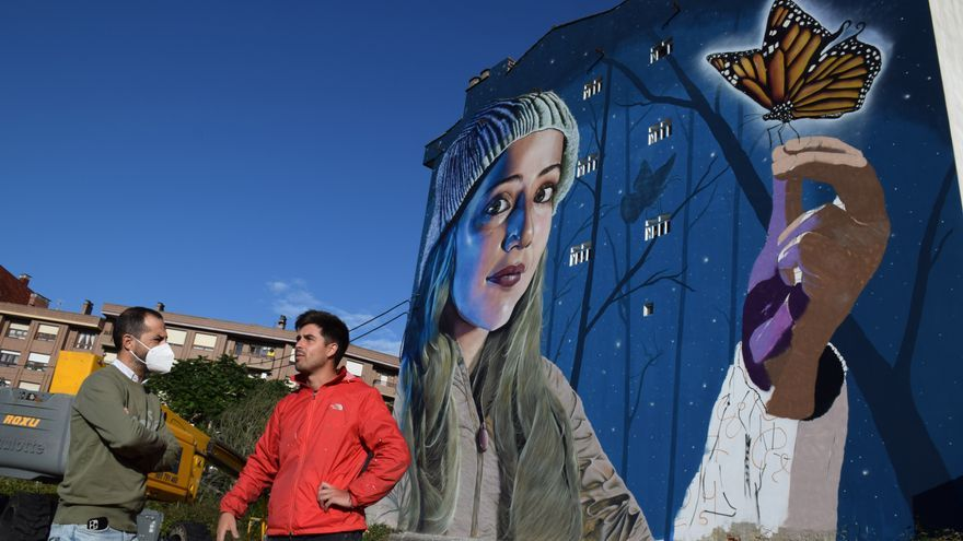 """El Berrón bautiza su grafiti gigante: la obra de la joven y la mariposa se llamará """"Efecto caparina"""""""
