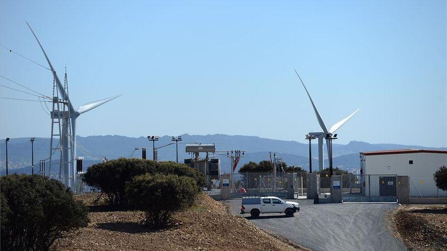 Presentan un nuevo proyecto eólico y fotovoltaico para Montánchez