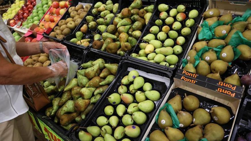 Colegios lanzan campañas de fruta en el recreo ante las tasas de obesidad infantil