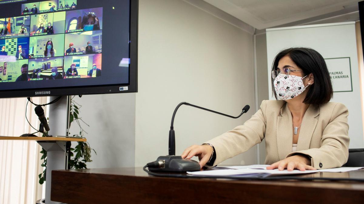 La ministra de Política Territorial y Función Pública, Carolina Darias, presenta el inicio de la descentralización, por primera vez, de los procesos selectivos en la Administración General del Estado, este sábado en la sede de la UNED en Las Palmas de Gran Canaria.