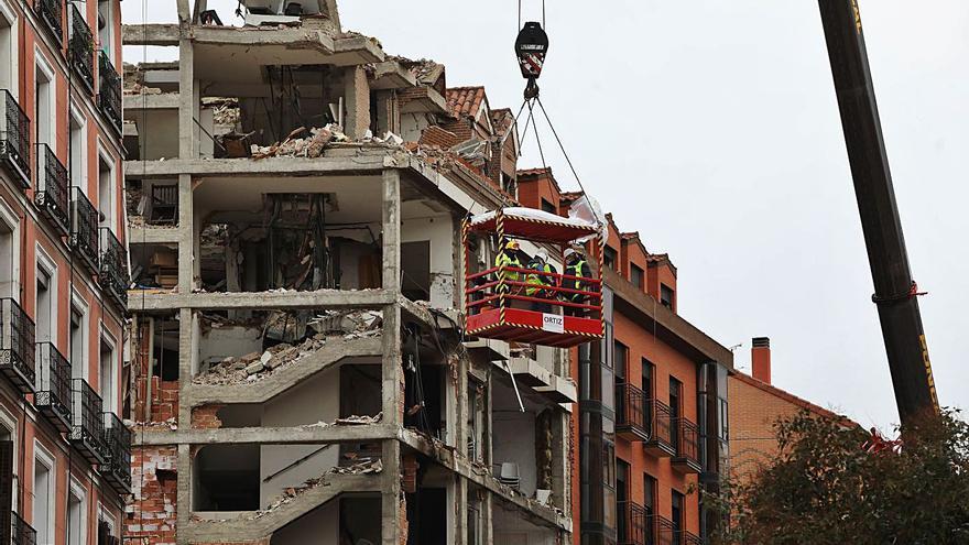 Un sacerdote de 35 años, cuarta víctima de la brutal explosión de gas en Madrid