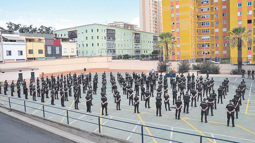 Llegan 206 policías nacionales a las islas de Tenerife y La Palma