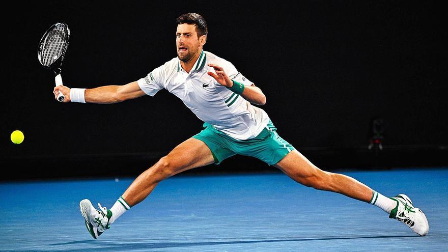 Djokovic también sobrevive al dolor