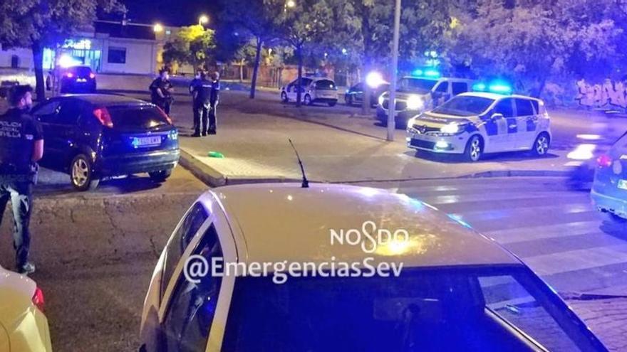 Desalojados varios botellones en Sevilla, uno de ellos con 500 personas congregadas