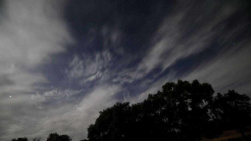 Varias estaciones aprecian el paso de un meterorito por el cielo de El Viso