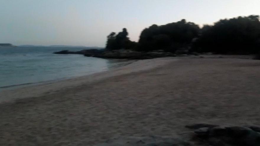 La playa de Francón, libre de reservas indebidas