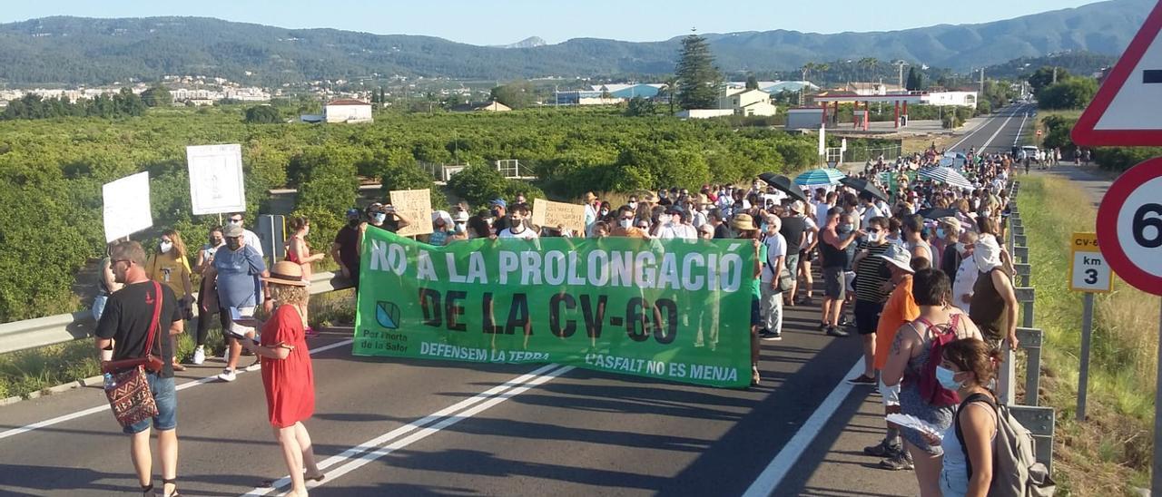 Una imagen de la manifestación de ayer domingo contra el proyecto de la Generalitat