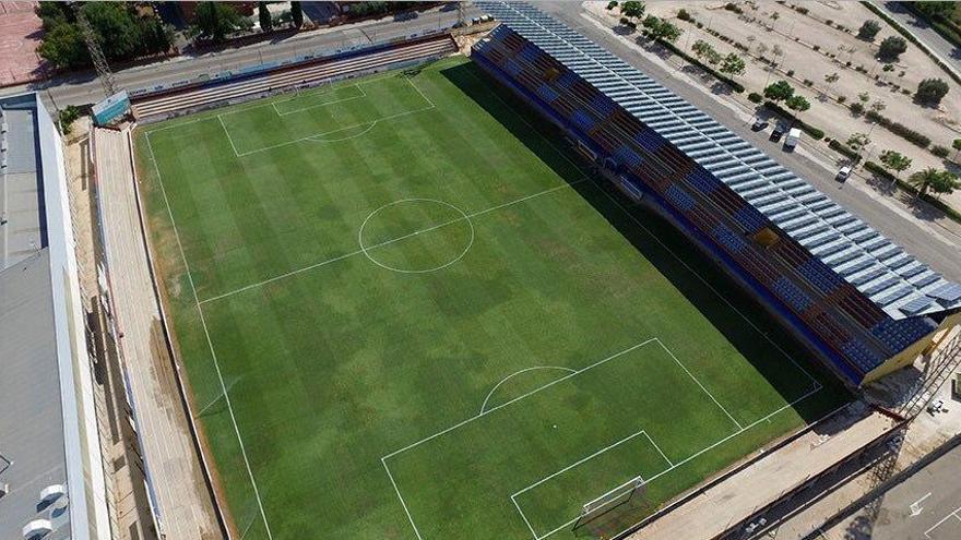 La UD Alzira y el ayuntamiento ofrecen el estadio para jugar la fase de ascenso a Segunda División