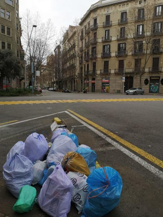 Les destrosses de la cinquena nit de protestes a Barcelona