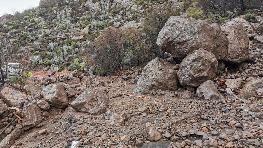Decenas de desprendimientos en carreteras de Gran Canaria