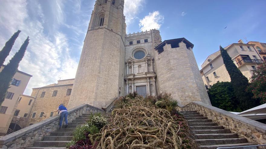 Girona ultima els muntatges del primer Temps de Flors adaptat a la pandèmia