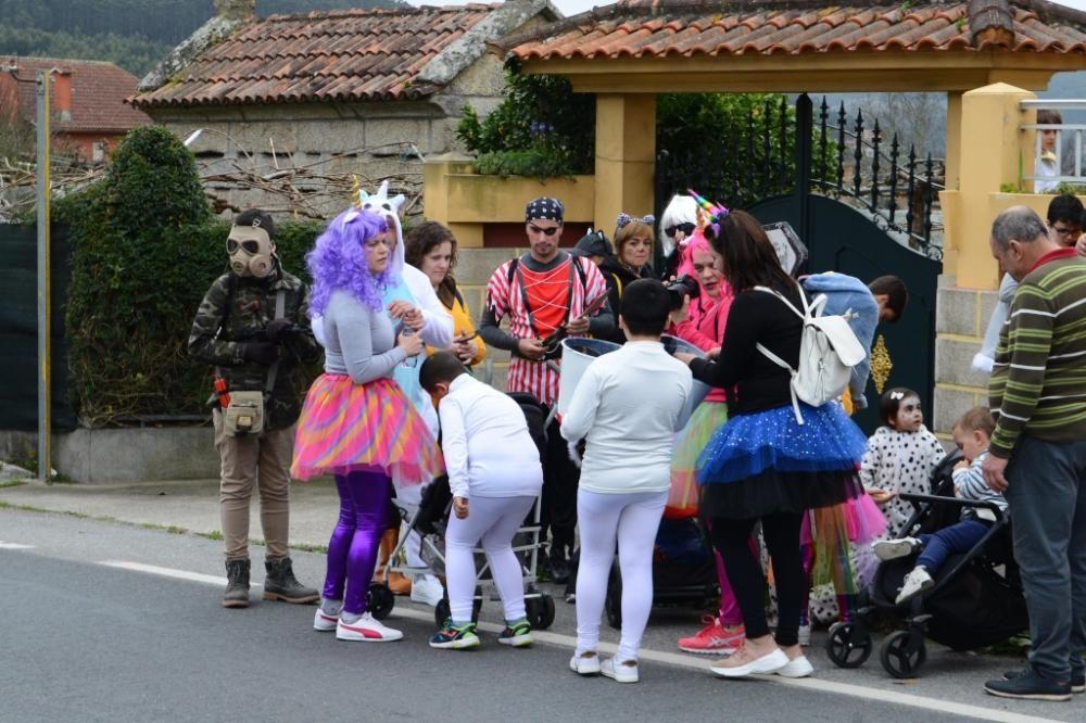 Aldán y Moaña celebran el final del Carnaval. // G. Núñez