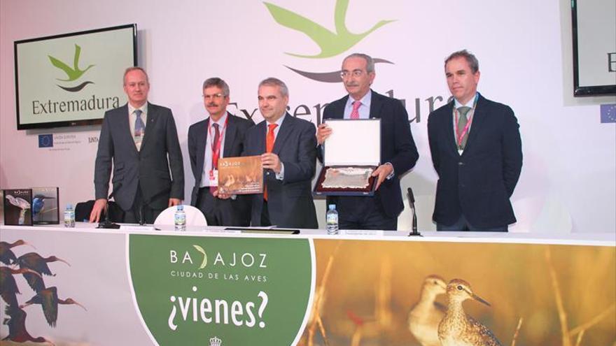 Badajoz, la única Zepa urbana del país, presenta su Plan de Turismo Ornitológico