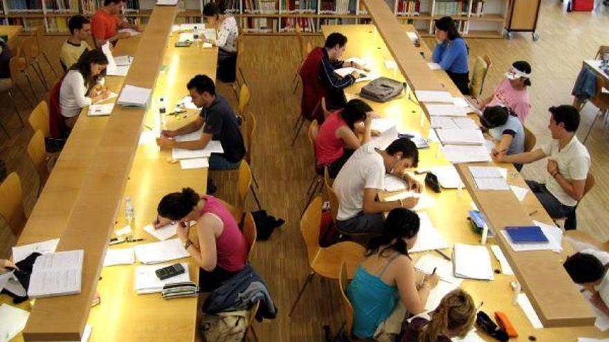 La sobrecualificación de los titulados superiores se traduce en desempleo