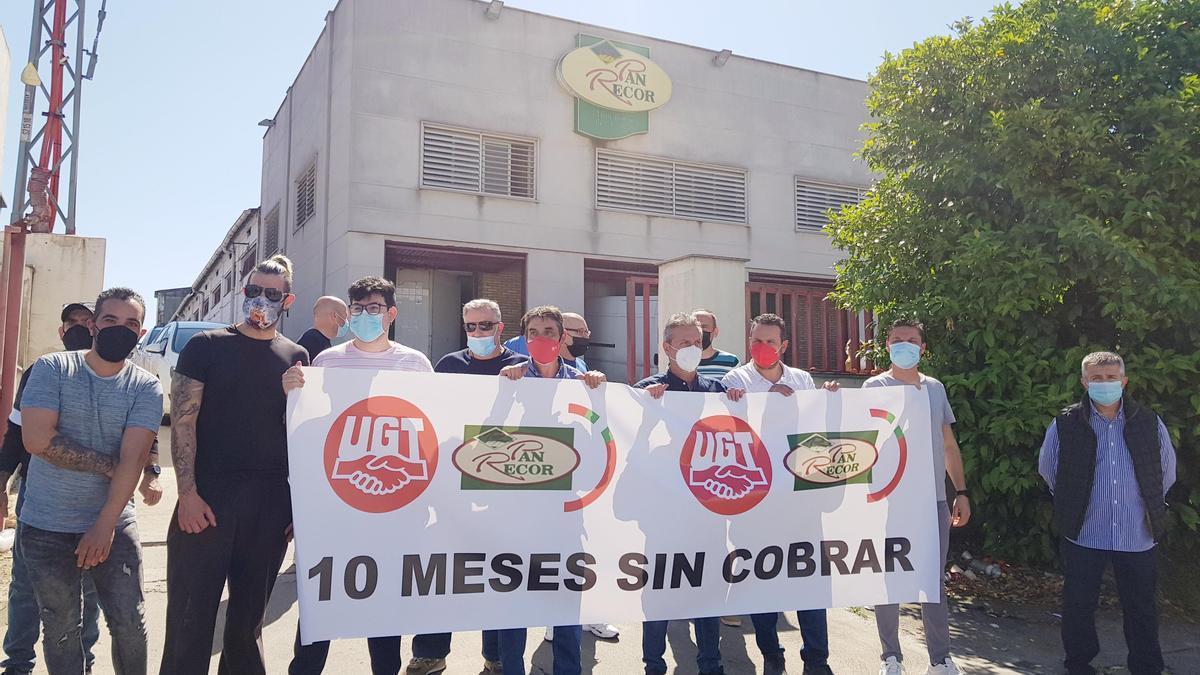 Protesta de trabajadores de Pan Recor y UGT