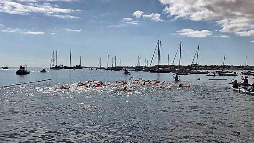 Triunfa el compañerismo entre los 400 nadadores desde Lobos