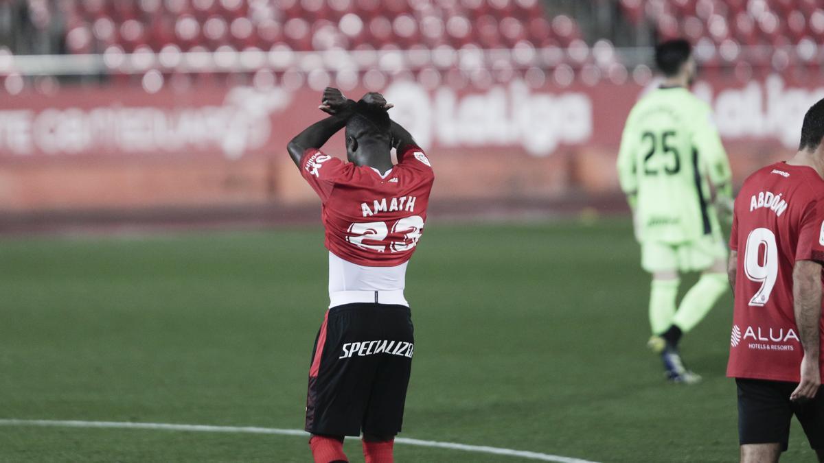 Amath fue amonestado con amarilla por enseñar un mensaje en su camiseta en el partido frente al Cartagena.