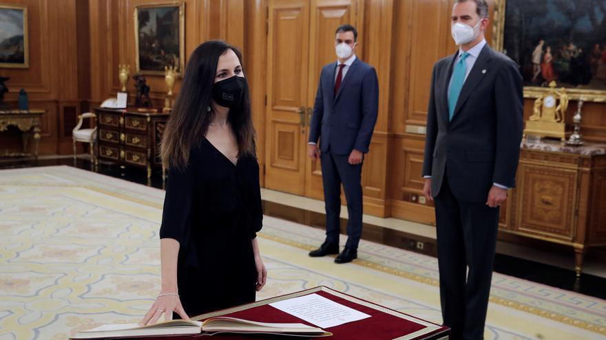 Las dos vicepresidentas gallegas y la ministra Belarra prometen sus cargos ante Felipe VI