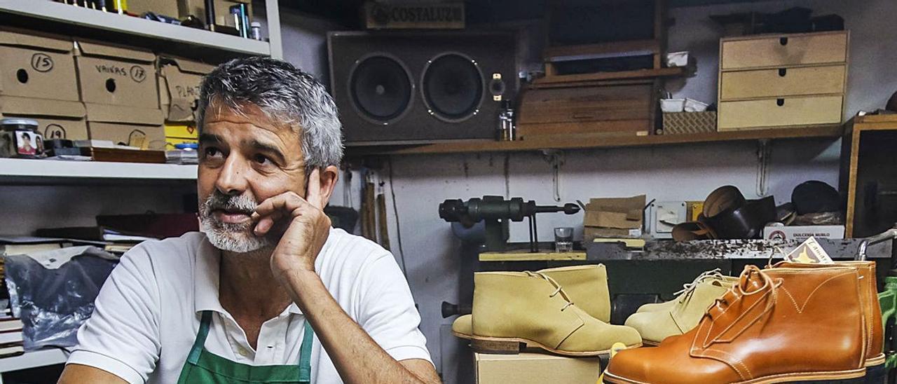 José Manuel Rodríguez  en su taller de La Angostura. | | JOSÉ CARLOS GUERRA