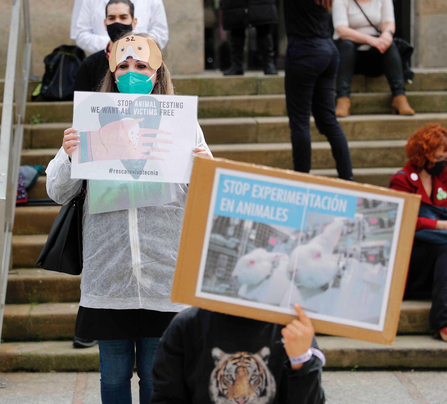Vigo alza la voz contra la experimentación animal