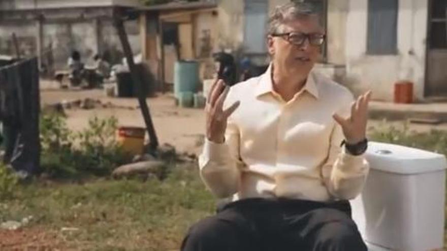 Bill Gates presenta un inodoro futurista que no necesita agua