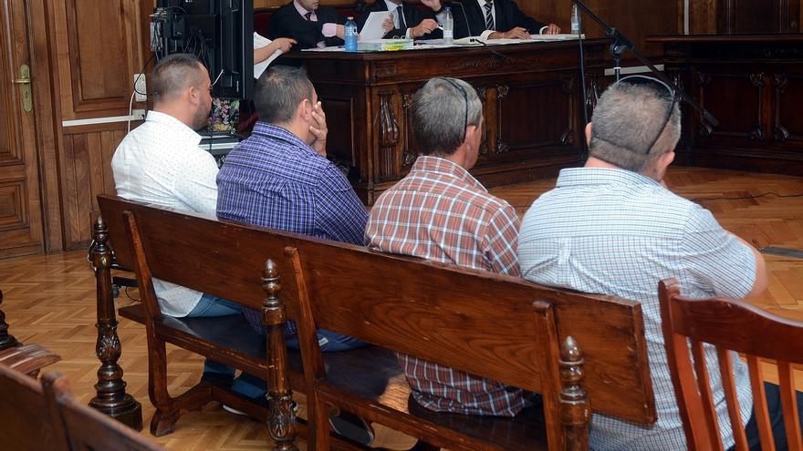 Quedan en libertad los gallegos que sobrevivieron al accidente de una planeadora en Andalucía